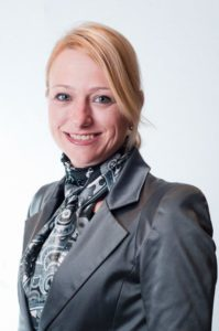 Claudia Floegel | Interim Manager | Coniche